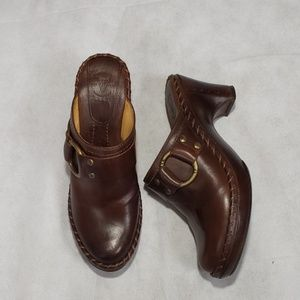 FRYE Charlotte ring brown leather clog mules 8